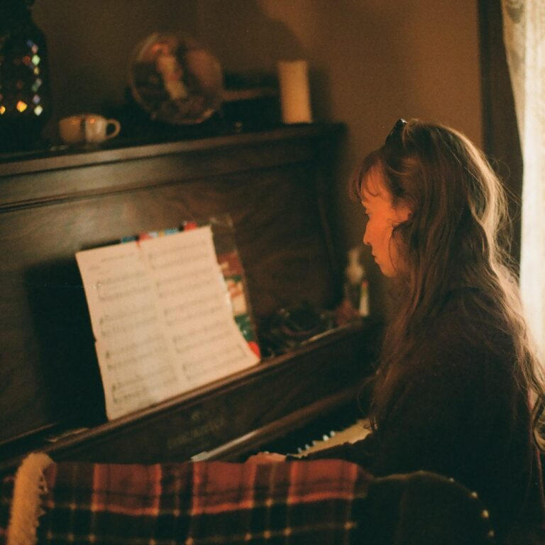 a piano student is learning how to read piano notes faster
