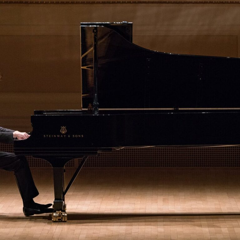 famous russian pianists playing the piano concert