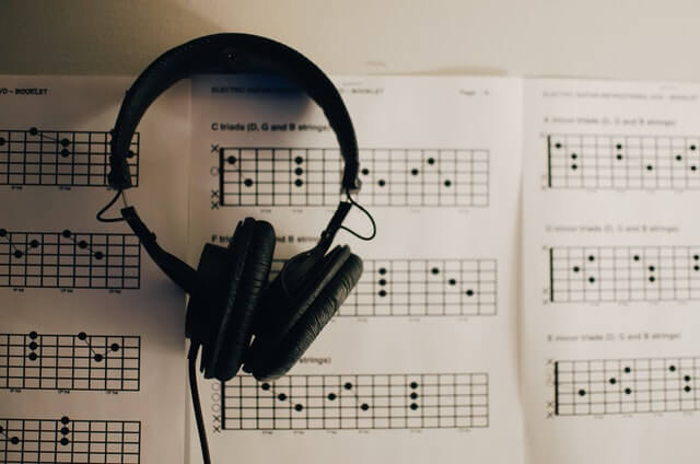 the best book for learning guitar scales